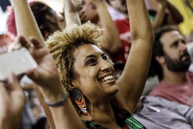'História pra ninar gente grande': Marielle Franco é homenageada em enredo da Mangueira no próximocarnaval